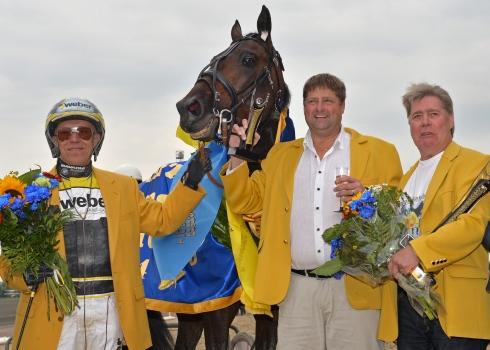 Poochai vann Svenskt Travderby 2014