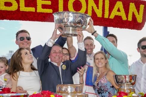 Första stoet på 22 år att vinna Hambletonian