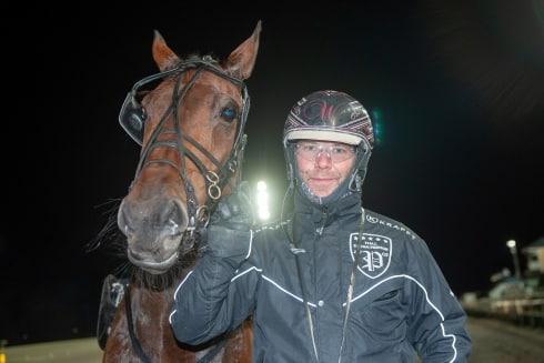Stefan Persson slutar som proffstränare