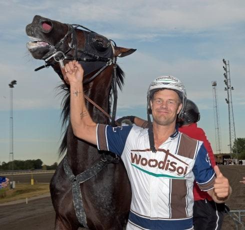 Inför V86: Fredrik Linder hoppas på Jubileumspokalen
